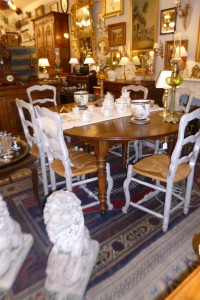 Table 6 pieds, noyer, ouverte 3m, 950€