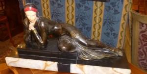 Femme allongée, Régule, Art-Déco, 220 €