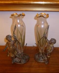 Paire de Vases , sujet régule, 120 €