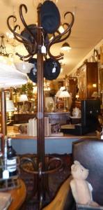 Porte-Manteaux perroquet,style Thonnet,320€