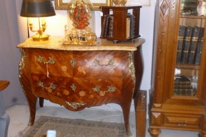 Commode style Louis XV, 650 €