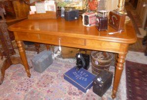 Bureau plat,Louis-Philippe,merisier, 380€