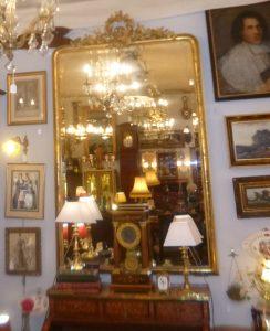 Trés grand Miroir bois doré, 950€