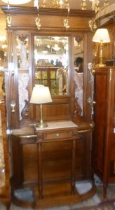 Porte-Manteaux noyer, 640€