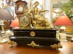 Pendule, Régule doré, 340 €
