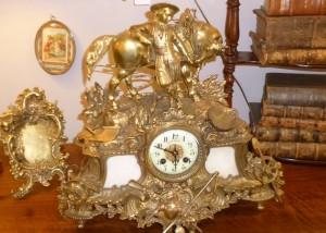 Pendule Bronze doré, 680 €