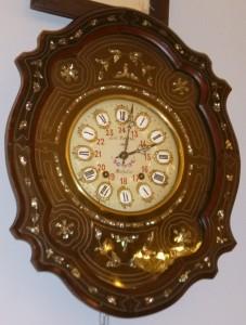 "Pendule "" Oeil de Boeuf"", Napoléon III, 320 €"