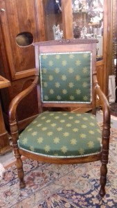 Fauteuil style Empire, 320 €