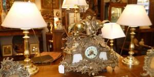 Paire de Bougeoirs montés en lampe, 160 €