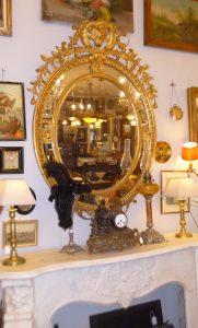 Miroir médaillon, 650€