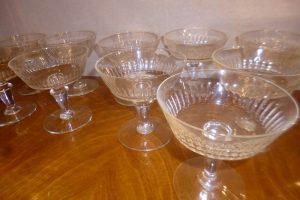 12 Coupes à Champagne, cristal, 150 €