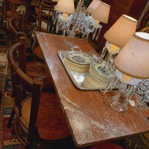 Table de Bistrot marbre rouge