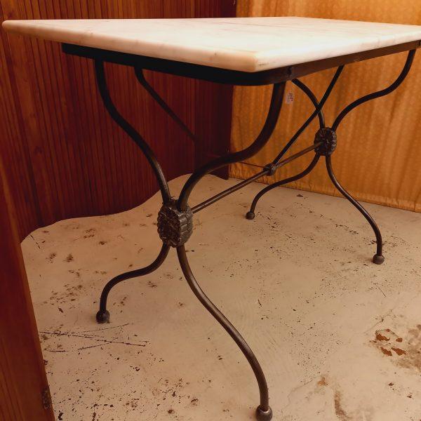 Table Bistrot, Pieds Fonte en X, Marbre Blanc