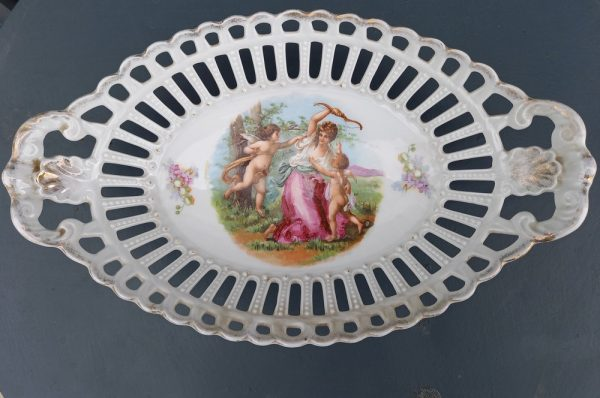 Corbeille Porcelaine Ajourée, Cupidons