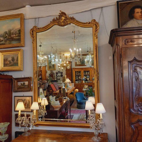 Grand Miroir XIX ème de style Louis XV, bois et stuc doré