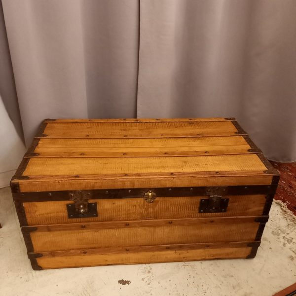 Coffre Malle ancienne en bois