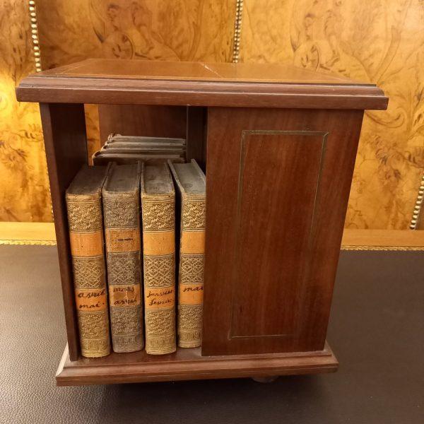 Mini Bibliothèque Tournante