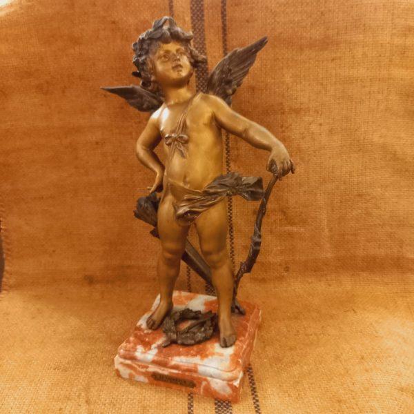 Angelot Cupidon Le Vainqueur, Régule doré et Marbre